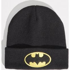 Czapka z naszywką Batman - Czarny. Czarne czapki damskie marki Sinsay, z aplikacjami. Za 19,99 zł.