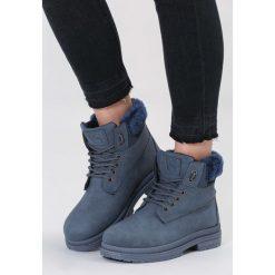 Granatowe Traperki High Life. Niebieskie buty zimowe damskie marki vices, z materiału, z okrągłym noskiem, na obcasie. Za 89,99 zł.