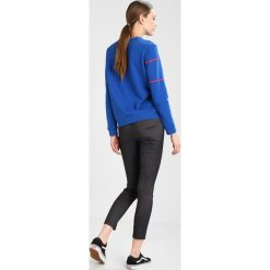 Bluzy damskie: Lee RETRO LOGO  Bluza indigo flash