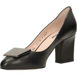 Czółenka LENA. Czarne buty ślubne damskie Gino Rossi, ze lnu, na słupku. Za 299,90 zł.