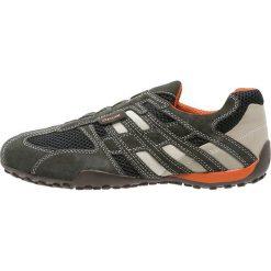 Derby męskie: Geox SNAKE Półbuty wsuwane dark grey