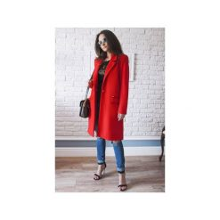 Płaszcze damskie pastelowe: Czerwony płaszcz damski z faluszu