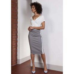 Spódniczki: Szara Ołówkowa Spódnica Midi z Lampasami