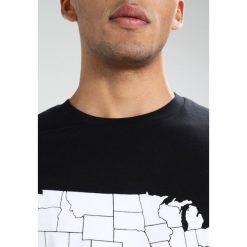 Calvin Klein Jeans TEOH REGULAR FIT TEE Tshirt z nadrukiem ck black. Niebieskie koszulki polo marki Tiffosi. Za 229,00 zł.