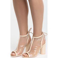 Beżowe Sandały Wild Silence. Brązowe sandały damskie na słupku marki Born2be, z materiału, na wysokim obcasie. Za 89,99 zł.