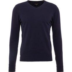 Patrizia Pepe Sweter navy. Niebieskie swetry klasyczne męskie Patrizia Pepe, m, z bawełny. W wyprzedaży za 353,40 zł.
