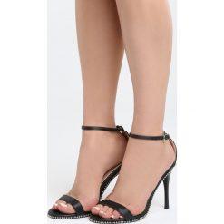 Czarne Sandały Move Closer. Czarne sandały damskie marki Kazar, z nubiku, na wysokim obcasie, na szpilce. Za 79,99 zł.
