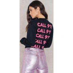 Bluzy damskie: NA-KD Trend Bluza Call 911 – Black,Multicolor