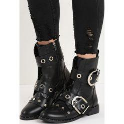 Czarne Botki Stargaze. Czarne buty zimowe damskie Born2be, na płaskiej podeszwie. Za 109,99 zł.