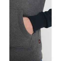 Superdry RAGLAN ZIPHOOD Bluza rozpinana three pointer navy. Pomarańczowe bluzy męskie rozpinane marki Superdry, l, z bawełny, z kapturem. W wyprzedaży za 350,10 zł.