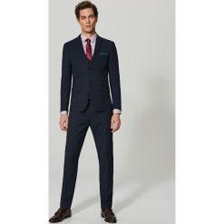 Rurki męskie: Spodnie garniturowe slim fit – Granatowy