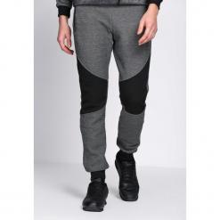 Czarne Spodnie Dresowe In Existence. Czarne spodnie dresowe męskie marki Born2be, m, z nadrukiem, z dresówki, z kapturem. Za 44,99 zł.
