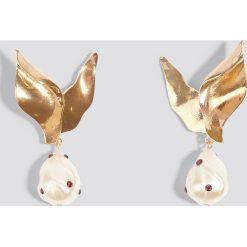 Kolczyki damskie: MANGO Metaliczne kolczyki z perłami - Gold