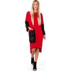 Luźna sukienka z dłuższym tyłem czerwona 4045. Czerwone sukienki z falbanami marki Fasardi, l. Za 79,00 zł.