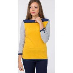 Swetry klasyczne damskie: Kolorowy sweter