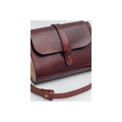 Torebka z drewnem R4m mahoń. Czerwone torebki klasyczne damskie Republic, w paski, z lakierowanej skóry, duże. Za 340,00 zł.