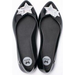 Zaxy - Baleriny. Czarne baleriny damskie lakierowane Zaxy, z gumy. W wyprzedaży za 119,90 zł.