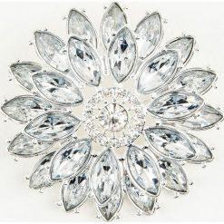 Broszki damskie: NA-KD Accessories Duża broszka Markiza w kształcie kwiatu, wysadzana kryształami – Silver