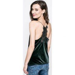 Vero Moda - Top. Niebieskie topy damskie marki Vero Moda, z bawełny. W wyprzedaży za 49,90 zł.