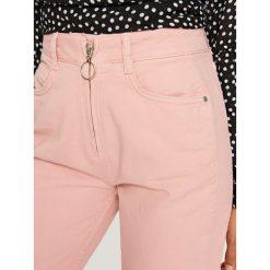 Spodnie damskie: Jeansy z wysokim stanem - Różowy