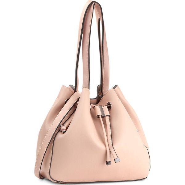 dabf7f3af17ec Torebka NOBO - NBAG-E0070-C004 Różowy - Różowe torebki klasyczne damskie  Nobo, bez wzorów, ze skóry ekologicznej, bez dodatków. W wyprzedaży za  139,00 zł.