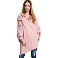 ZARA Asymetryczna bluza z szerokim kołnierzem - pudrowa. Różowe bluzy damskie Moe, z dzianiny, z krótkim rękawem, krótkie. Za 179,90 zł.