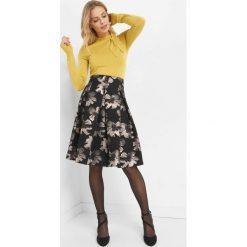 Rozkloszowana spódnica midi. Czarne spódniczki rozkloszowane Orsay, z poliesteru, z podwyższonym stanem, midi. Za 139,99 zł.