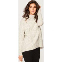 Miękki sweter ze stójką - Jasny szar. Szare swetry klasyczne damskie Reserved, l, ze stójką. W wyprzedaży za 59,99 zł.
