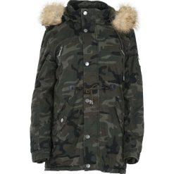 Ciemnozielona-Moro Kurtka Reliance. Czarne kurtki męskie zimowe marki Born2be, l, z aplikacjami, z dresówki. Za 234,99 zł.