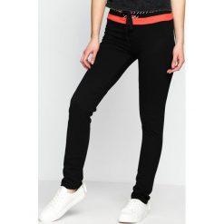 Spodnie dresowe damskie: Czarne Spodnie Dresowe Brownie