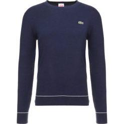 Lacoste LIVE Sweter marine/blanc. Niebieskie swetry klasyczne męskie Lacoste LIVE, s, z bawełny. Za 429,00 zł.