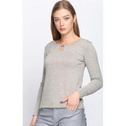 Szary Sweter Vision Of Love. Szare swetry klasyczne damskie Born2be, xl, z okrągłym kołnierzem. Za 29,99 zł.