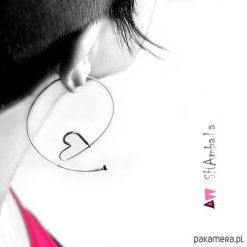 Kolczyki damskie: Srebrne kolczyki koła serca LOVE