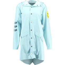 Rains B&&B LONG Kurtka przeciwdeszczowa wan blue. Czarne kurtki męskie przeciwdeszczowe marki B'TWIN, m, z materiału. W wyprzedaży za 335,20 zł.