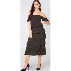 NA-KD Boho Sukienka z odkrytymi ramionami - Black. Niebieskie sukienki boho marki NA-KD Boho, na imprezę, w koronkowe wzory, z koronki, na ramiączkach, mini. W wyprzedaży za 60,89 zł.