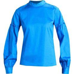 Bluzki asymetryczne: Gestuz BASBY  Bluzka skydiver