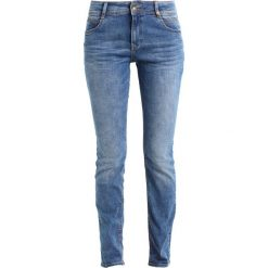 S.Oliver RED LABEL SHAPE  Jeansy Slim Fit blue denim. Niebieskie rurki damskie s.Oliver RED LABEL. Za 249,00 zł.