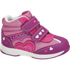Buciki dziecięce Cupcake Couture fuksja. Czerwone buciki niemowlęce chłopięce Cupcake Couture, z materiału, na rzepy. Za 69,90 zł.