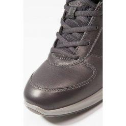 Ecco WAYFLY Obuwie do biegania Turystyka grey. Czarne buty do biegania damskie marki ecco. Za 529,00 zł.