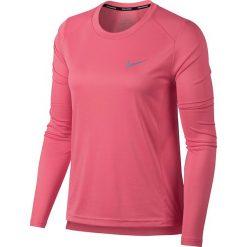 Koszulka do biegania damska NIKE MILER LONG SLEEVE / 905127-823 - MILER LONG SLEEVE. Różowe bluzki asymetryczne Nike, z materiału. Za 129,00 zł.