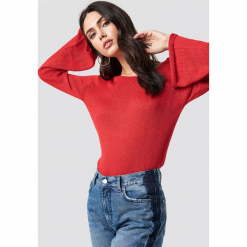 Rut&Circle Sweter z dekoltem na plecach Vanessa - Red. Czerwone swetry klasyczne damskie Rut&Circle, z dzianiny, z dekoltem na plecach. Za 80,95 zł.