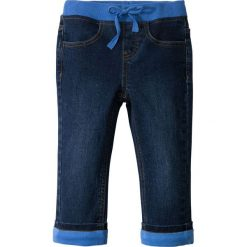 """Dżinsy ocieplane na podszewce z dżerseju bonprix niebieski """"stone"""" - lodowy niebieski. Czarne jeansy męskie z dziurami marki bonprix, w paski, z dresówki. Za 84,99 zł."""