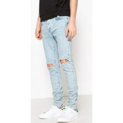 Dżinsy slim, podniszczony styl. Szare jeansy męskie slim marki La Redoute Collections. Za 176,36 zł.