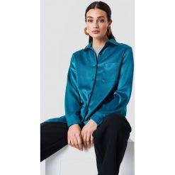 NA-KD Satynowa kurtka oversize - Green. Zielone kurtki damskie marki NA-KD, z poliesteru. W wyprzedaży za 97,18 zł.