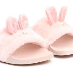 Różowe Klapki Common Rabbit. Czerwone klapki dziewczęce marki Born2be, z materiału. Za 34,99 zł.