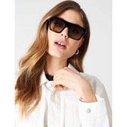 Le Specs Okulary przeciwsłoneczne Subdimension - Black. Czarne okulary przeciwsłoneczne damskie aviatory Le Specs. Za 262,95 zł.
