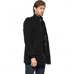 Płaszcz w kolorze czarnym. Czarne płaszcze zimowe męskie marki AVVA, Dewberry, m. Za 449,95 zł.