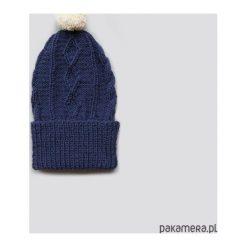 Czapki zimowe damskie: granatowa czapka z wełny alpaki