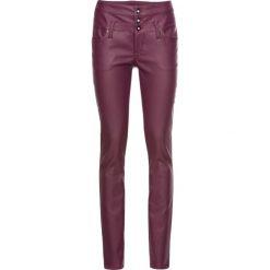 Spodnie ze sztucznej skóry SKINNY, z wysoką talią bonprix jeżynowy. Zielone rurki damskie marki bonprix, w kropki, z kopertowym dekoltem, kopertowe. Za 59,99 zł.