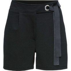 Szorty z wiązanym paskiem bonprix czarny. Czarne szorty damskie bonprix, w kolorowe wzory. Za 74,99 zł.